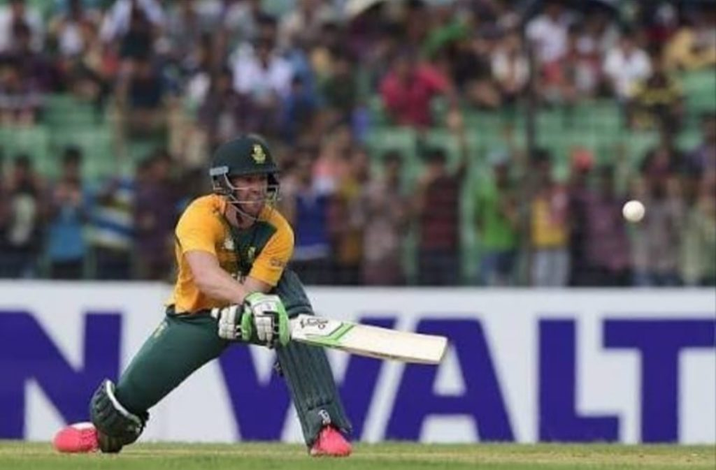 Ab de Villiers playing unorthodox shot, 360 batsman